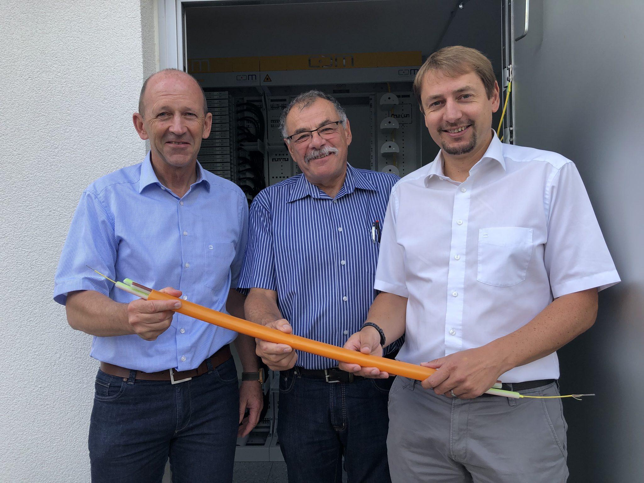 In Mettenberg und Buggenried ist das Glasfasernetz ab sofort betriebsbereit. Surfen mit Highspeed ist nun möglich.